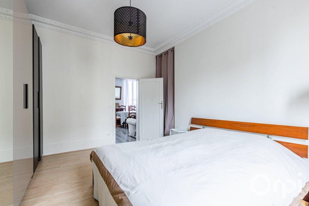 Appartement à vendre 3 67m2 à Paris 19 vignette-11