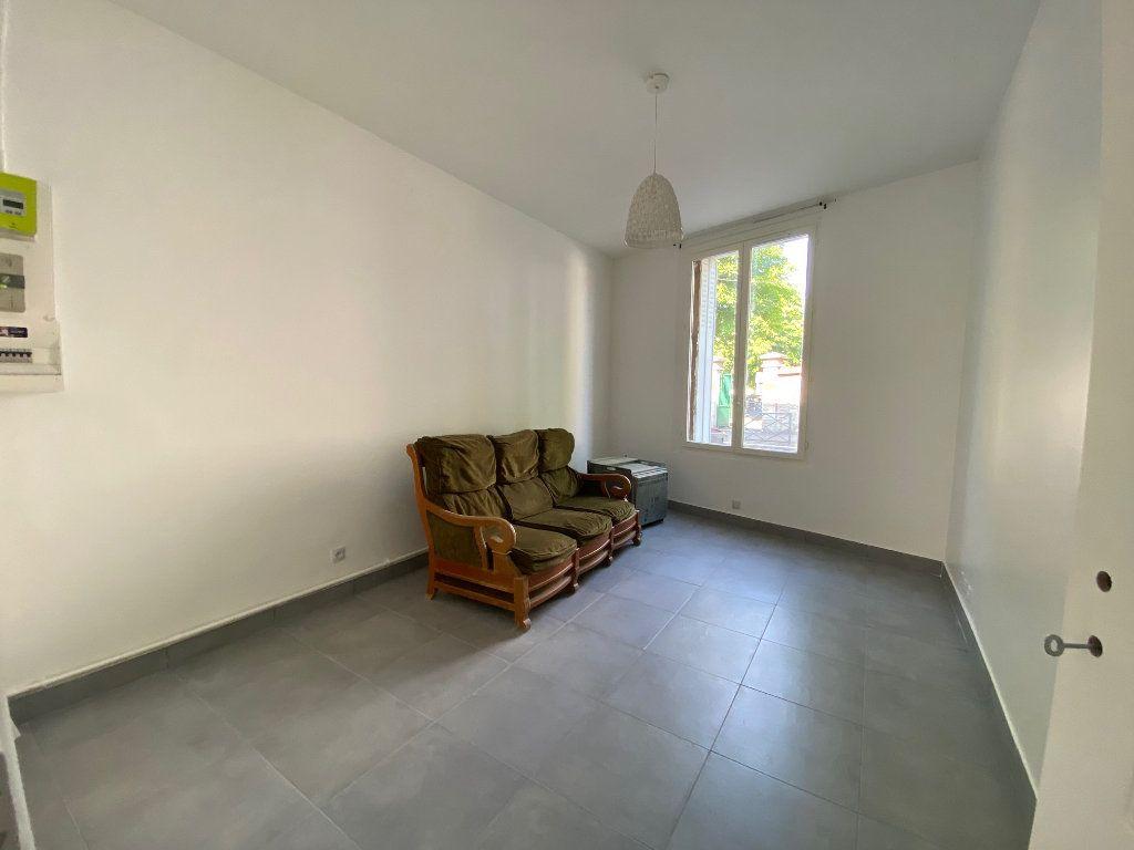 Appartement à louer 3 60.57m2 à Bagnolet vignette-1