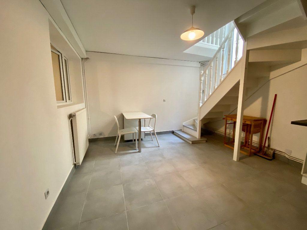 Appartement à louer 3 60.57m2 à Bagnolet vignette-7