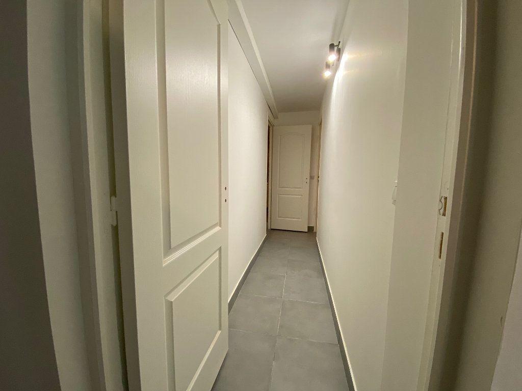 Appartement à louer 3 60.57m2 à Bagnolet vignette-8