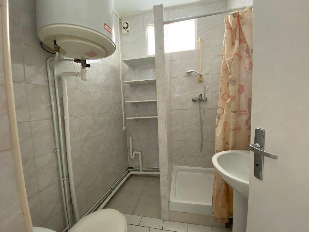 Appartement à louer 3 46.3m2 à Bagnolet vignette-2