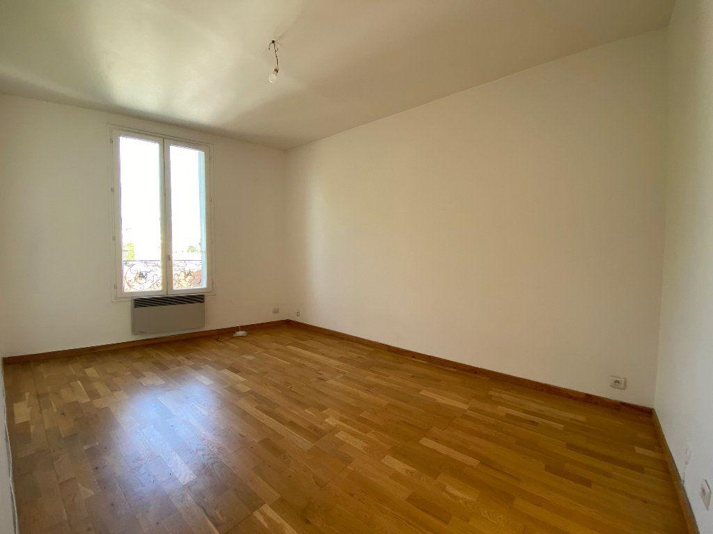 Appartement à louer 3 46.3m2 à Bagnolet vignette-3