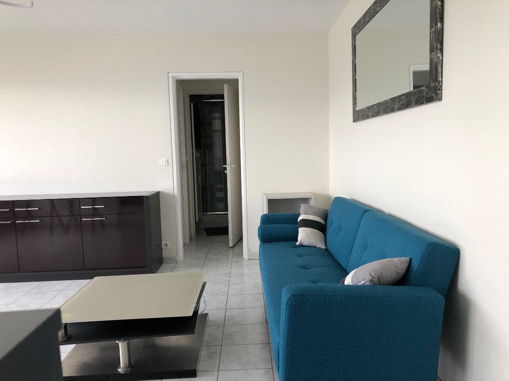 Appartement à louer 2 42m2 à Charenton-le-Pont vignette-3
