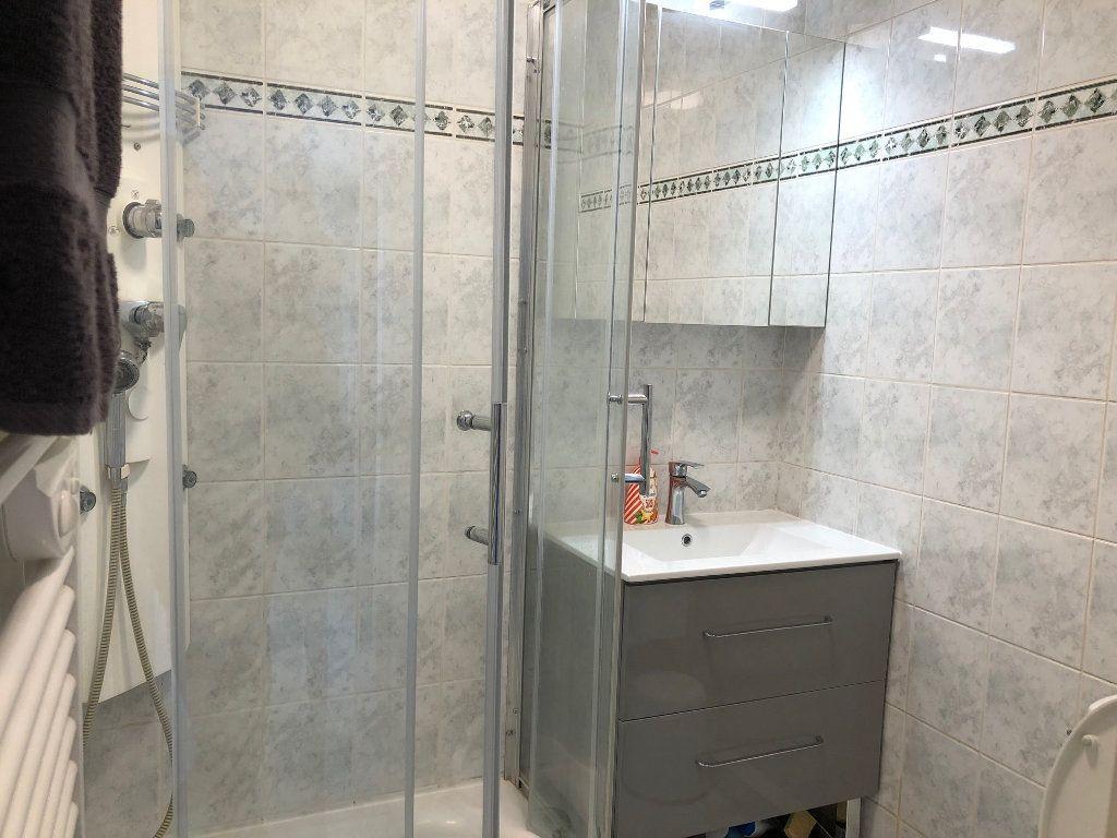 Appartement à louer 2 42m2 à Charenton-le-Pont vignette-10