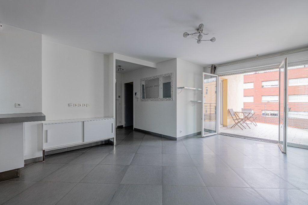 Appartement à louer 3 65m2 à Rosny-sous-Bois vignette-1