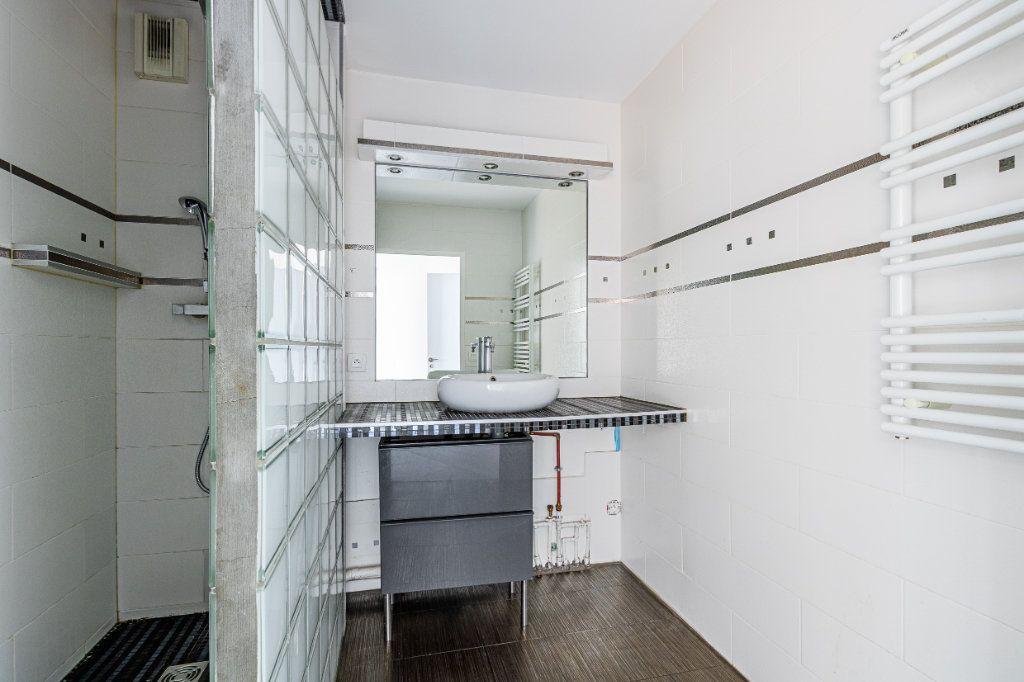 Appartement à louer 3 65m2 à Rosny-sous-Bois vignette-7
