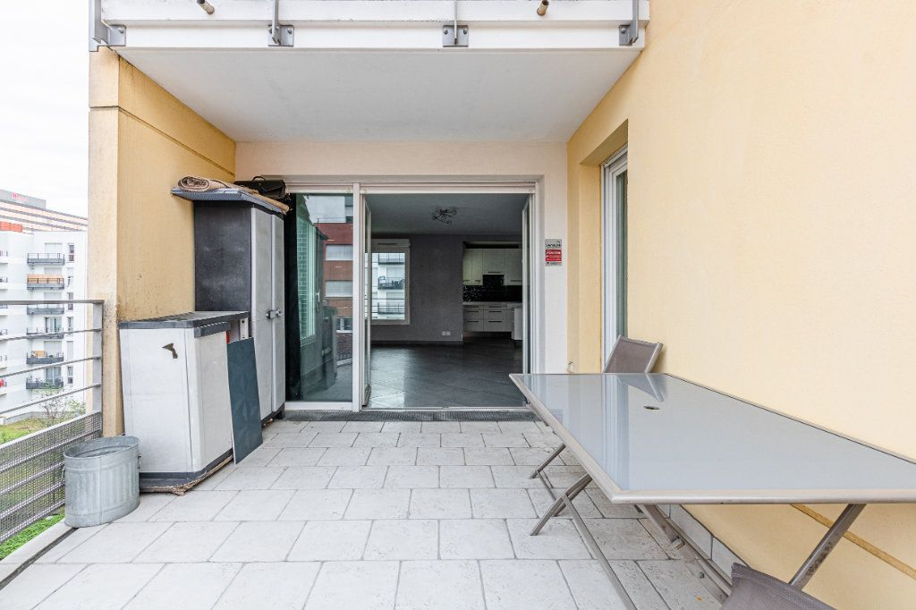 Appartement à louer 3 65m2 à Rosny-sous-Bois vignette-9