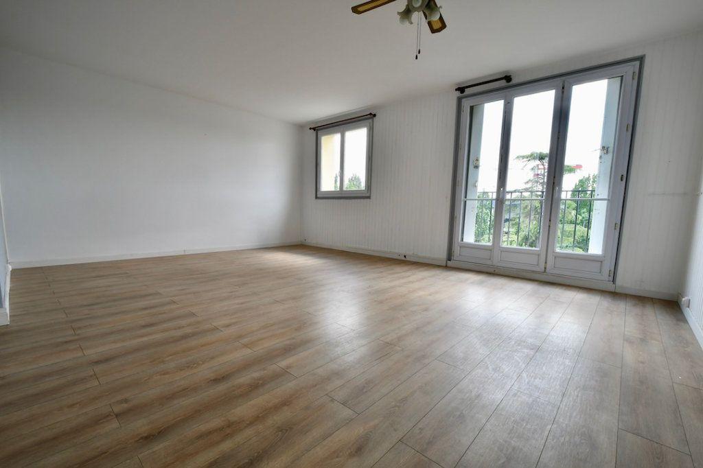 Appartement à vendre 4 68.9m2 à Bry-sur-Marne vignette-2