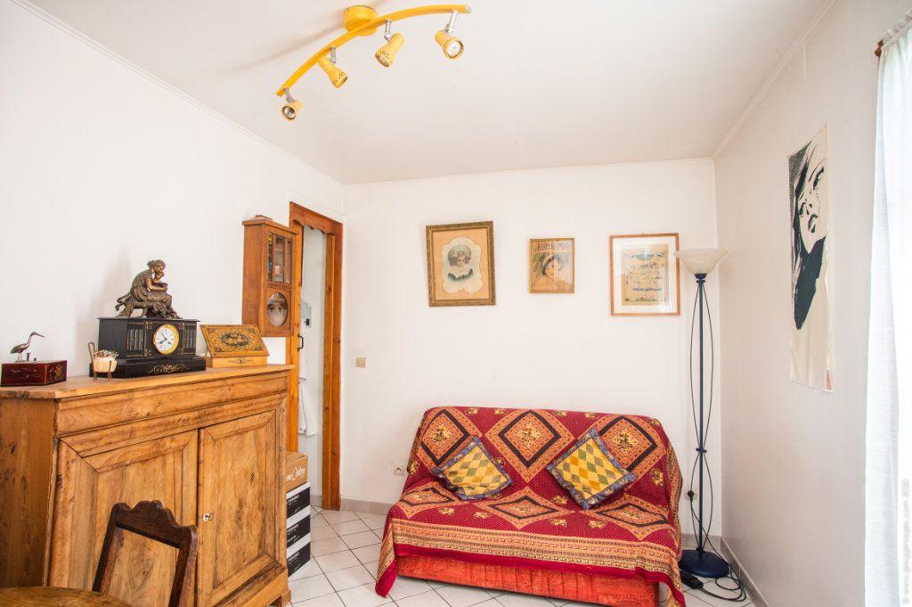 Maison à vendre 6 130m2 à Noisy-le-Sec vignette-11