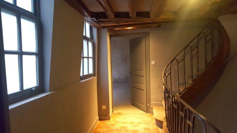 Appartement à vendre 2 52.2m2 à Paris 1 vignette-3