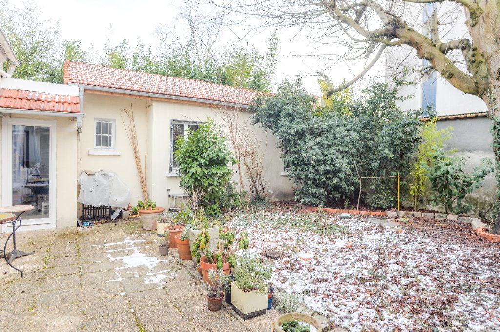 Maison à vendre 4 111m2 à Montreuil vignette-1