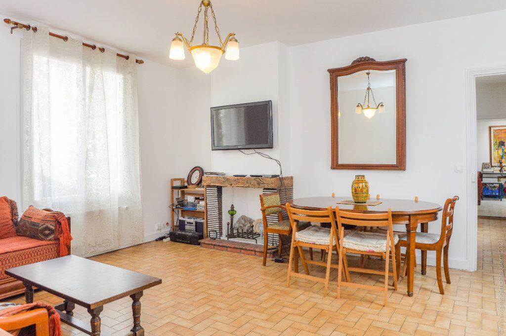 Maison à vendre 4 111m2 à Montreuil vignette-3