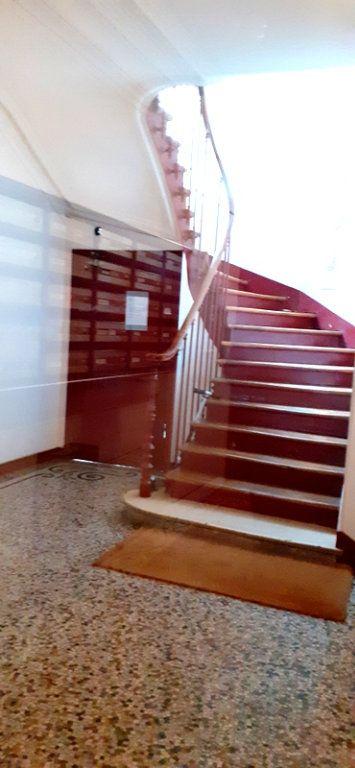 Appartement à vendre 3 49.3m2 à Paris 12 vignette-9