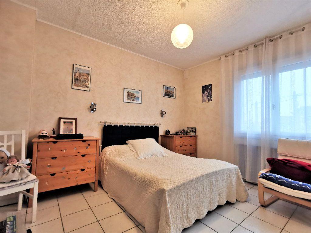 Maison à vendre 6 165m2 à Aulnay-sous-Bois vignette-9