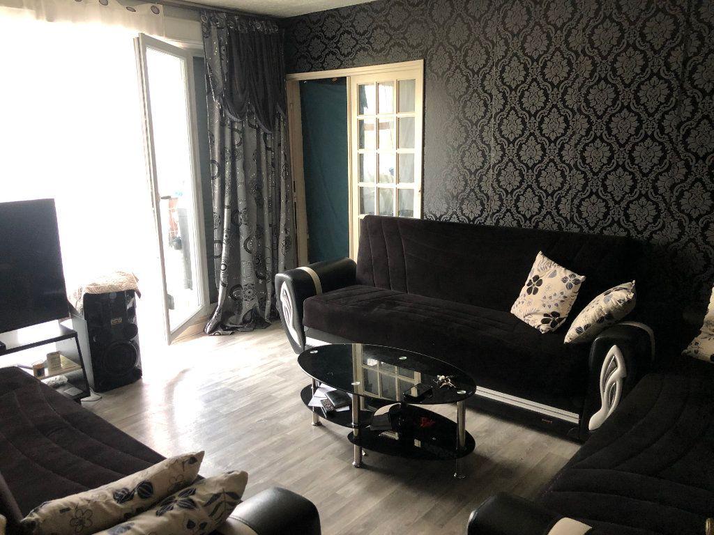 Appartement à vendre 4 64m2 à Aulnay-sous-Bois vignette-1