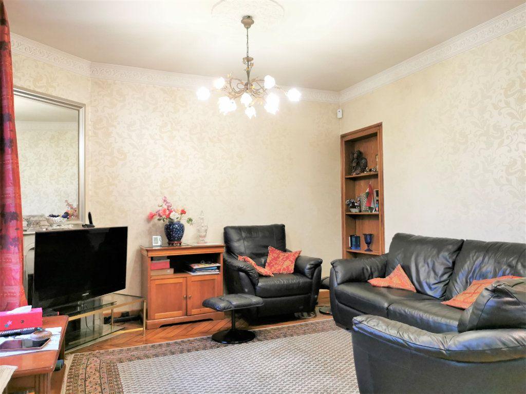 Maison à vendre 7 160m2 à Aulnay-sous-Bois vignette-5