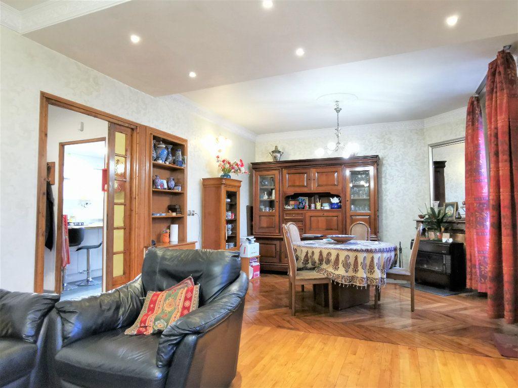 Maison à vendre 7 160m2 à Aulnay-sous-Bois vignette-6