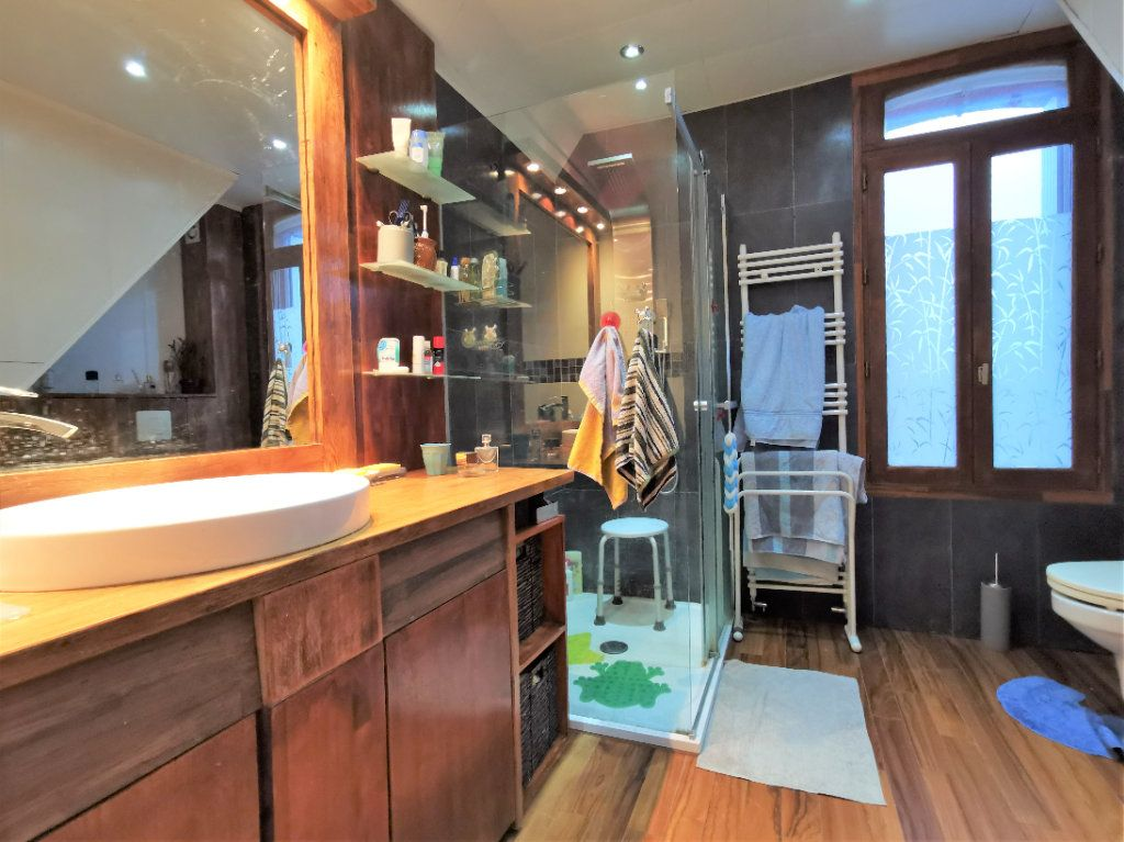 Maison à vendre 7 160m2 à Aulnay-sous-Bois vignette-9