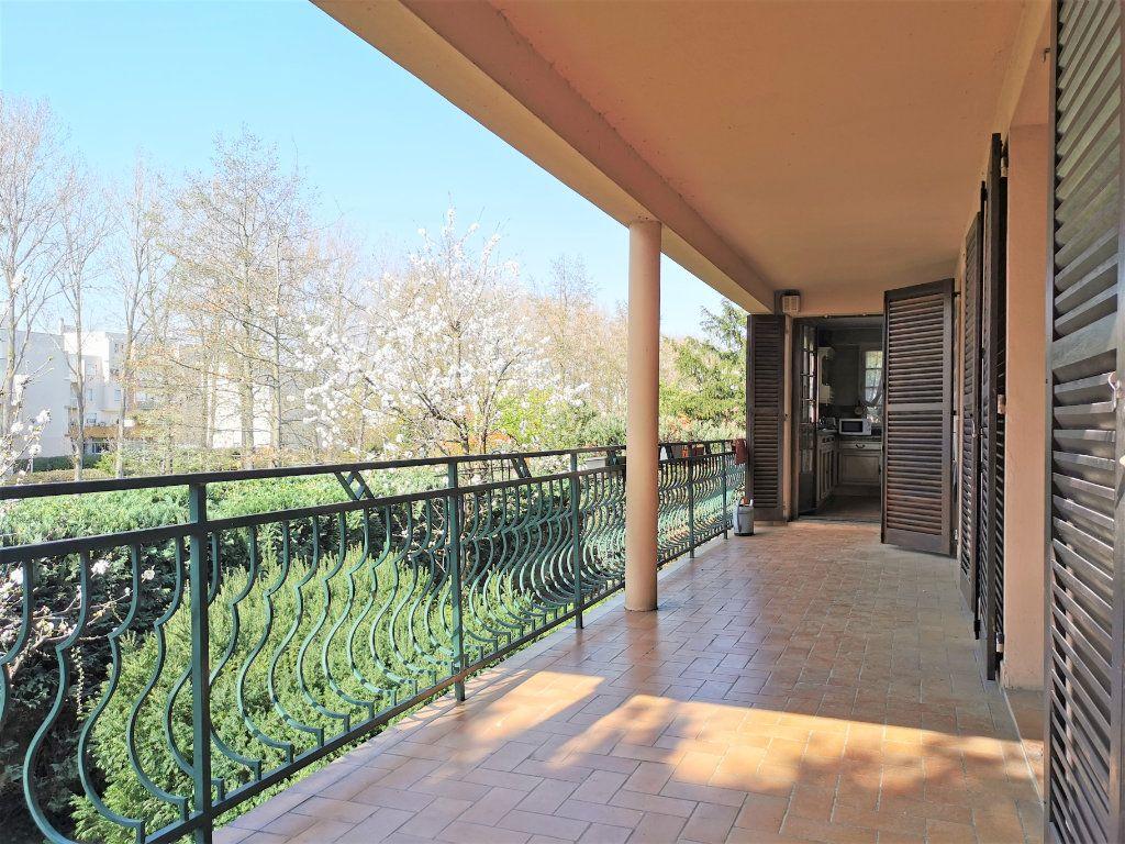 Maison à vendre 8 220m2 à Aulnay-sous-Bois vignette-1