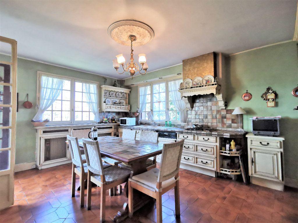 Maison à vendre 8 220m2 à Aulnay-sous-Bois vignette-2