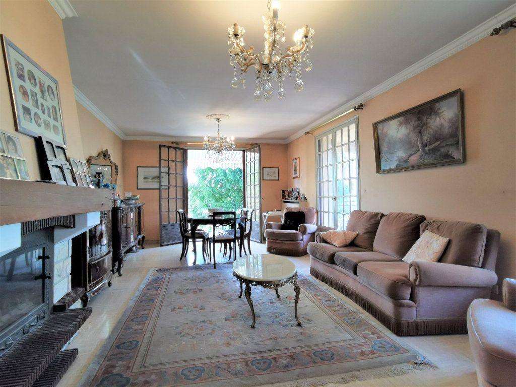 Maison à vendre 8 220m2 à Aulnay-sous-Bois vignette-3