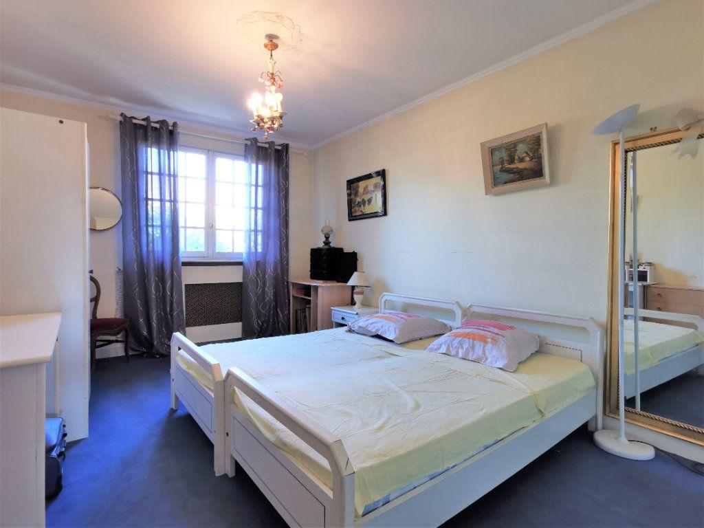 Maison à vendre 8 220m2 à Aulnay-sous-Bois vignette-5