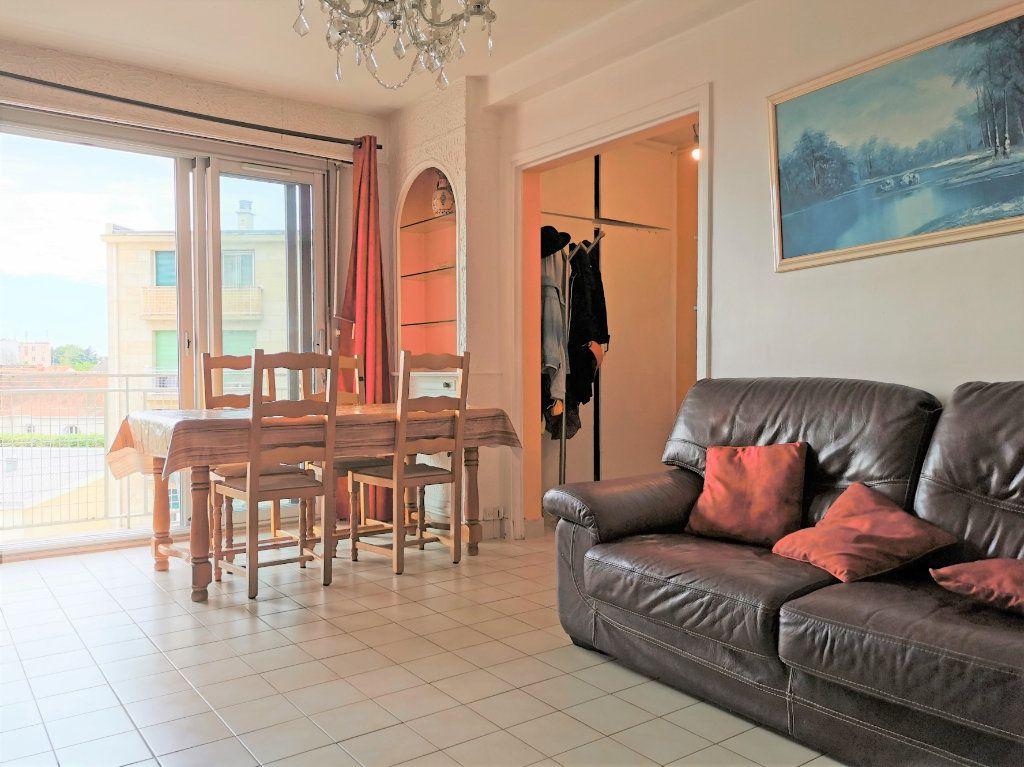 Appartement à louer 3 56.18m2 à Aulnay-sous-Bois vignette-2