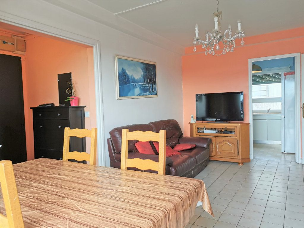 Appartement à louer 3 56.18m2 à Aulnay-sous-Bois vignette-3