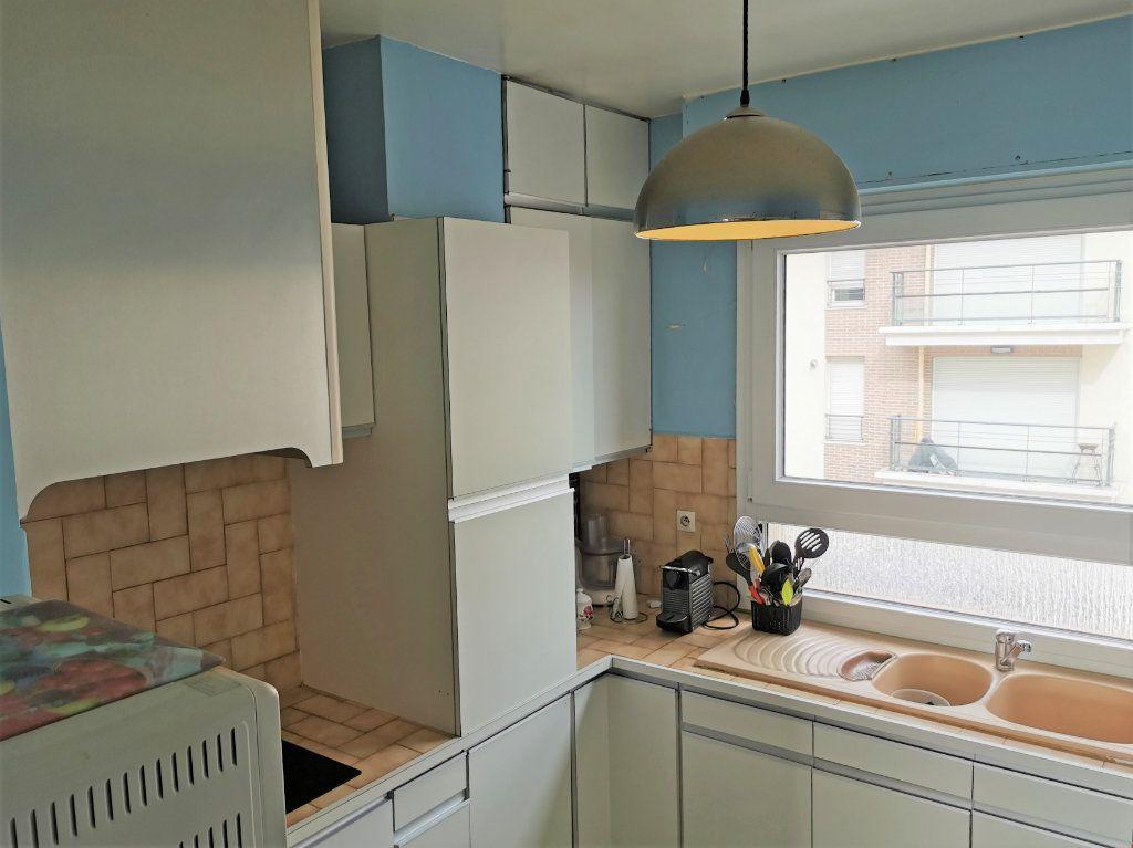 Appartement à louer 3 56.18m2 à Aulnay-sous-Bois vignette-4