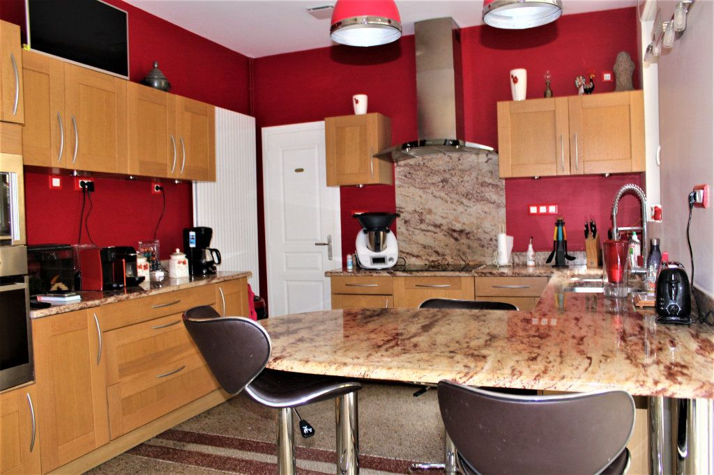 Maison à vendre 6 170m2 à Saint-Quentin vignette-4