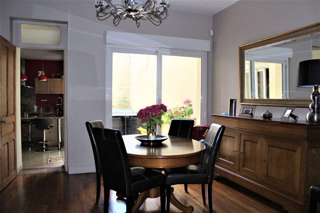 Maison à vendre 6 170m2 à Saint-Quentin vignette-6