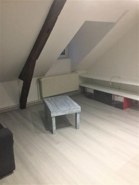 Appartement à louer 2 22m2 à Saint-Quentin vignette-3