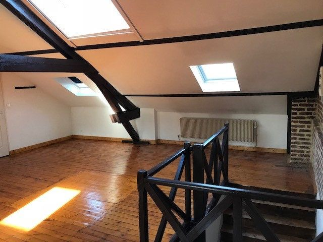 Immeuble à vendre 0 270m2 à Saint-Quentin vignette-3