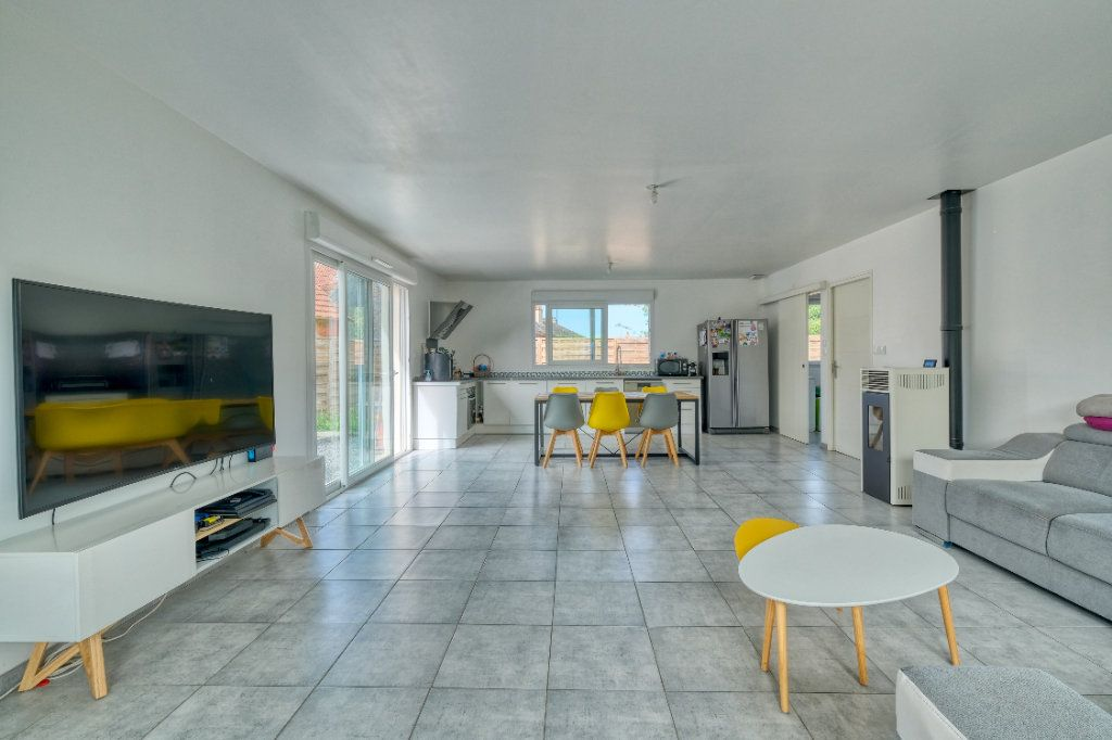 Maison à vendre 6 127.48m2 à Bellicourt vignette-1