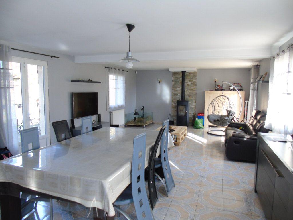Maison à vendre 4 143m2 à Mesnil-Saint-Laurent vignette-3