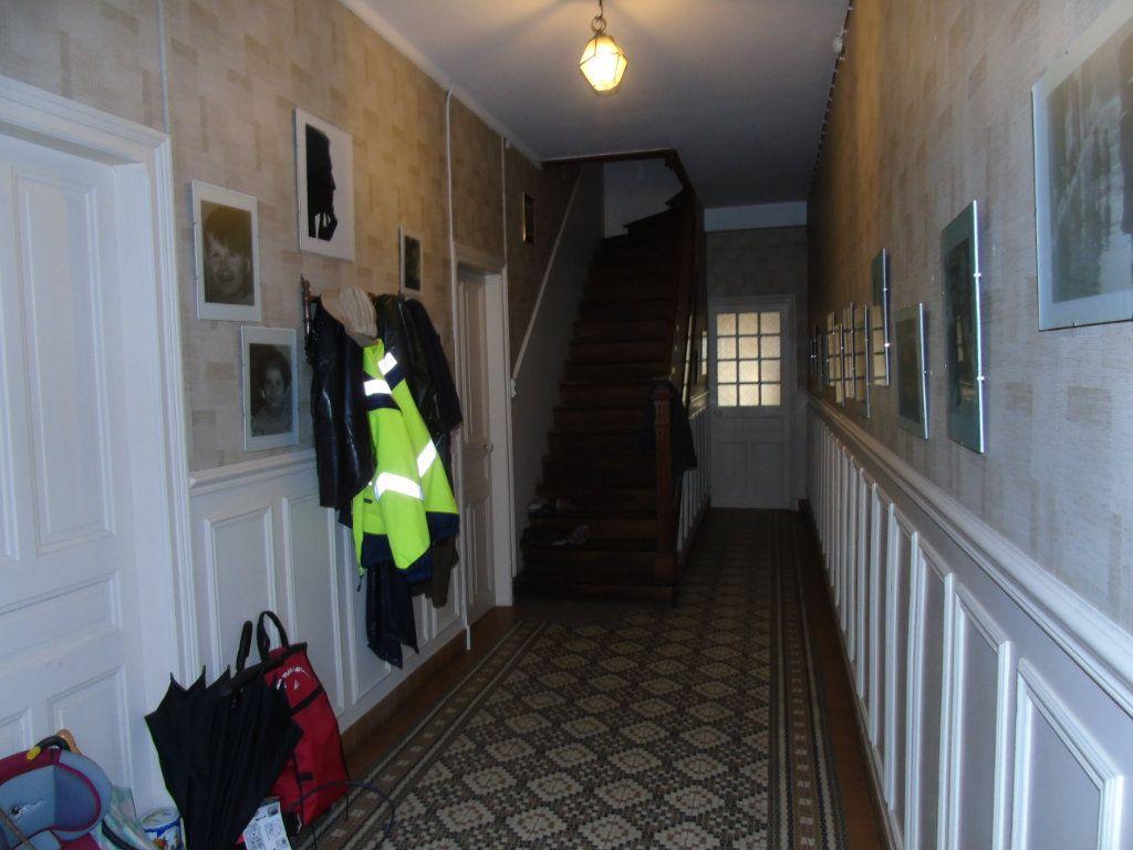 Maison à vendre 4 140.12m2 à Ribemont vignette-2