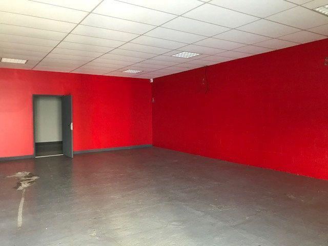 Immeuble à vendre 0 500m2 à Saint-Quentin vignette-2