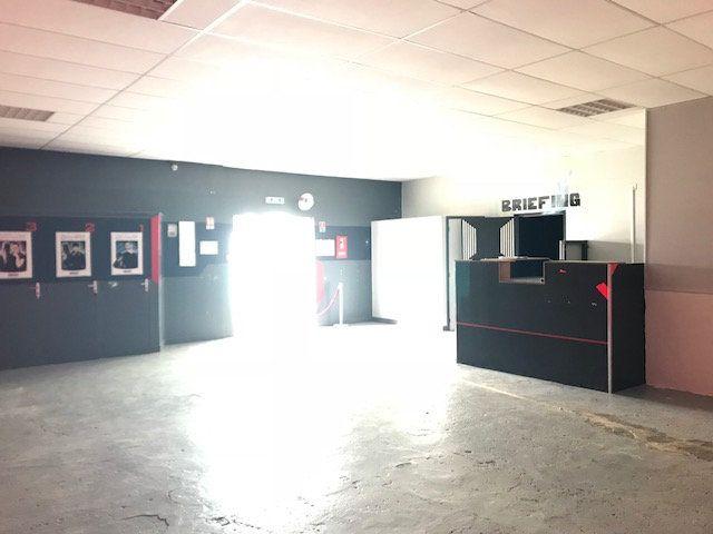 Immeuble à vendre 0 500m2 à Saint-Quentin vignette-3