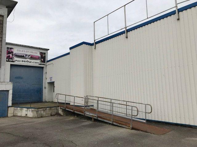 Immeuble à vendre 0 500m2 à Saint-Quentin vignette-5
