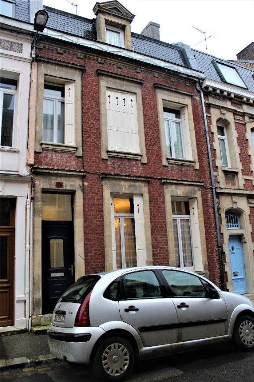 Maison à vendre 6 148m2 à Saint-Quentin vignette-1