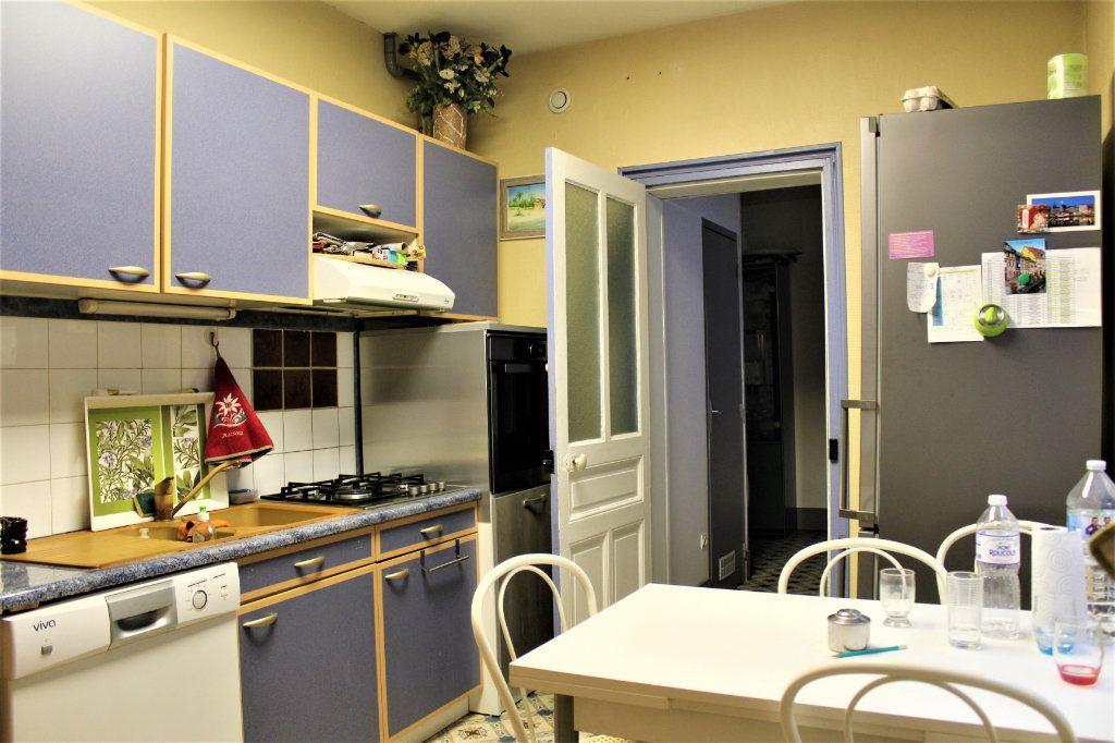 Maison à vendre 6 148m2 à Saint-Quentin vignette-6