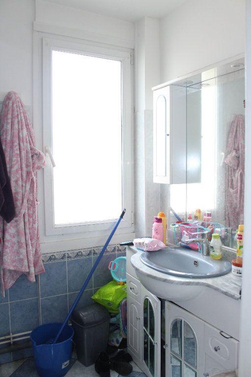 Appartement à vendre 3 68m2 à Saint-Quentin vignette-4