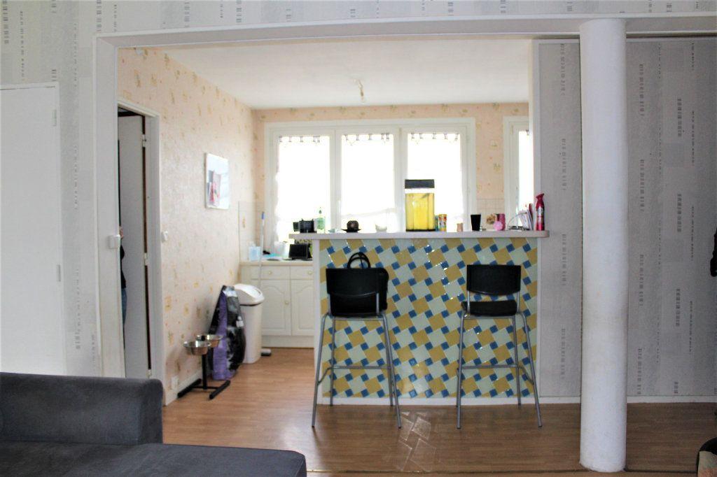 Appartement à vendre 3 68m2 à Saint-Quentin vignette-6