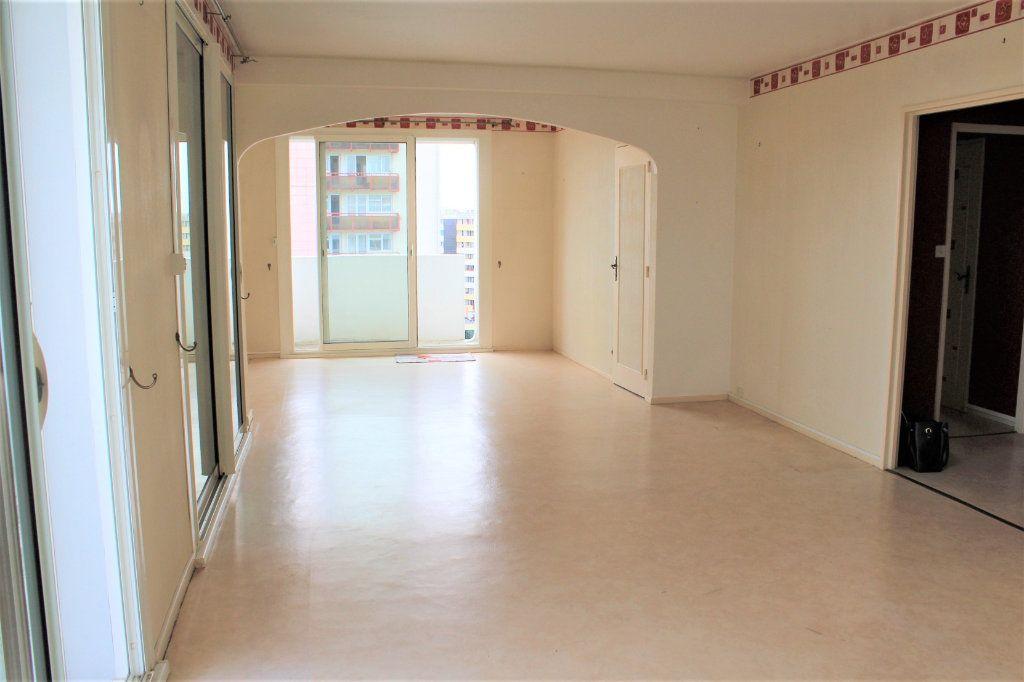 Appartement à vendre 3 74.88m2 à Saint-Quentin vignette-1