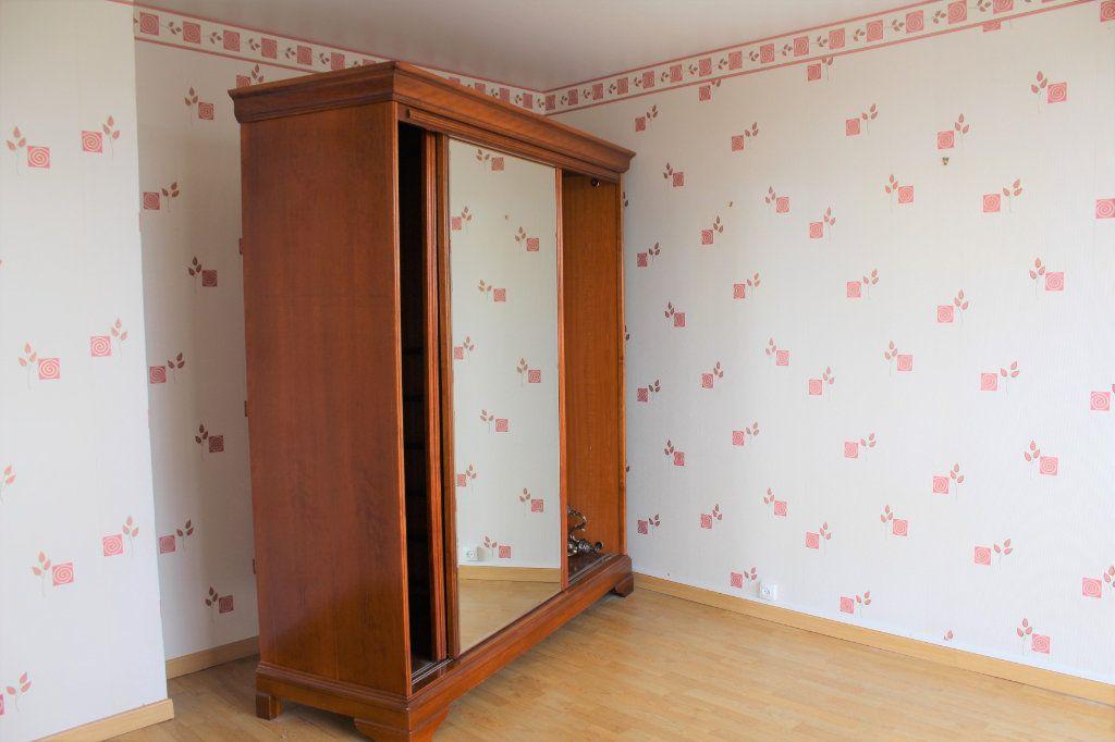 Appartement à vendre 3 74.88m2 à Saint-Quentin vignette-3