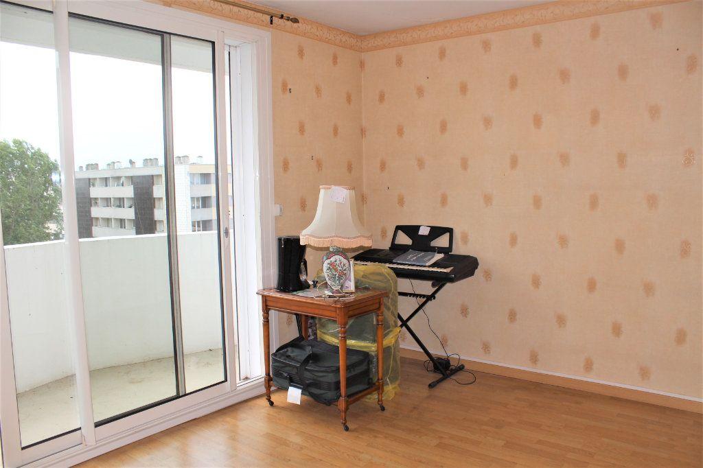 Appartement à vendre 3 74.88m2 à Saint-Quentin vignette-4