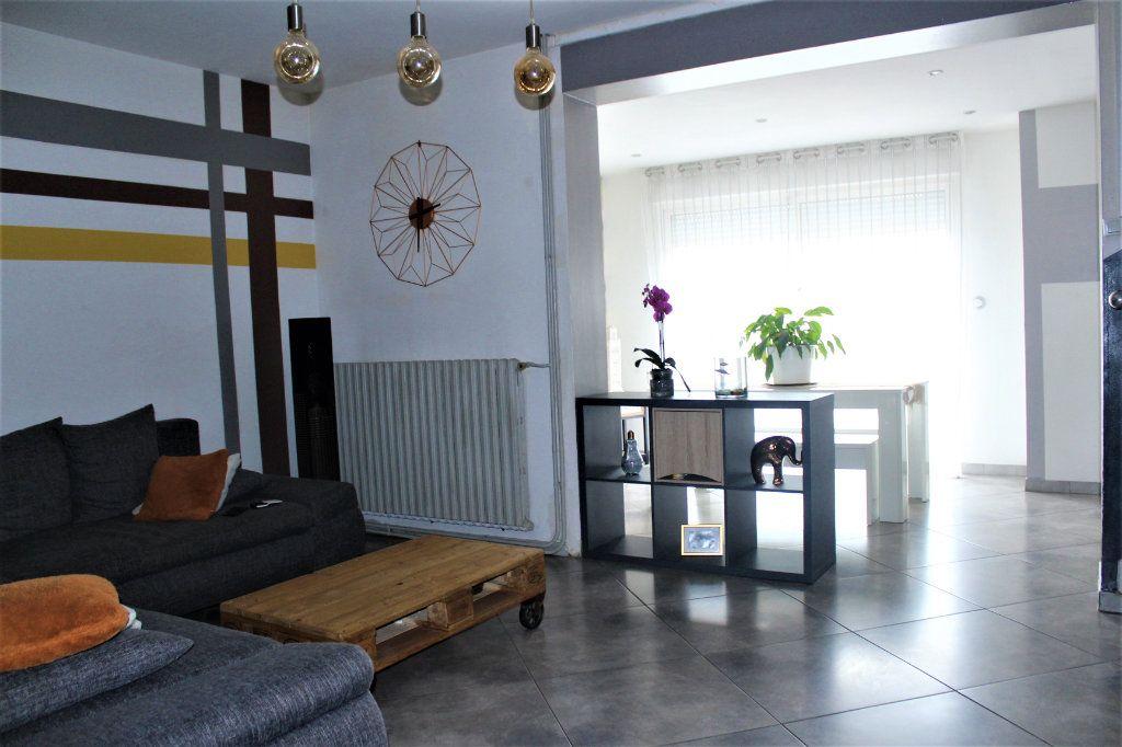Maison à vendre 6 120m2 à Saint-Quentin vignette-4