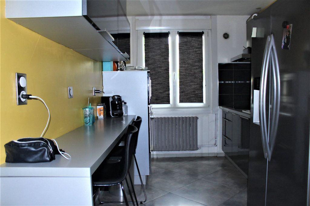 Maison à vendre 6 120m2 à Saint-Quentin vignette-5