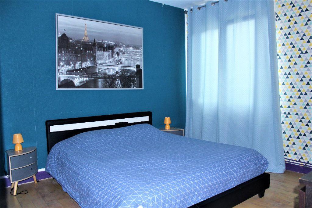 Maison à vendre 6 120m2 à Saint-Quentin vignette-6