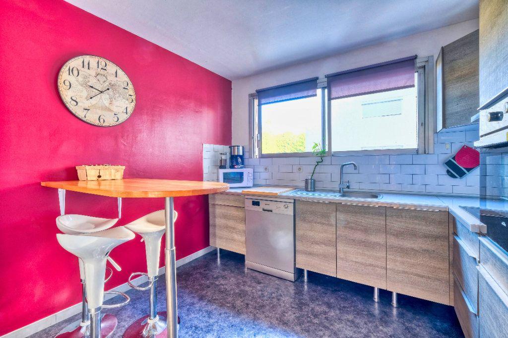 Appartement à vendre 3 69m2 à Saint-Quentin vignette-6